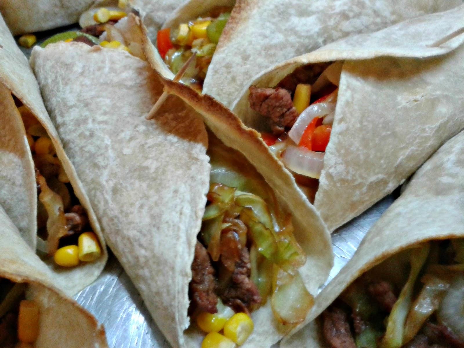 Burritos de carne quesos y vegetales caserissimo for Comida tradicional definicion