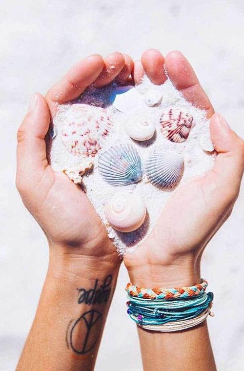 ideas de fotos para subir y arrasar en instagram este verano conchas petxines shells