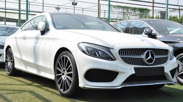 Mercedes C300 Coupe có ngoại thất và nội thất thiết kế thể thao, mạnh mẽ