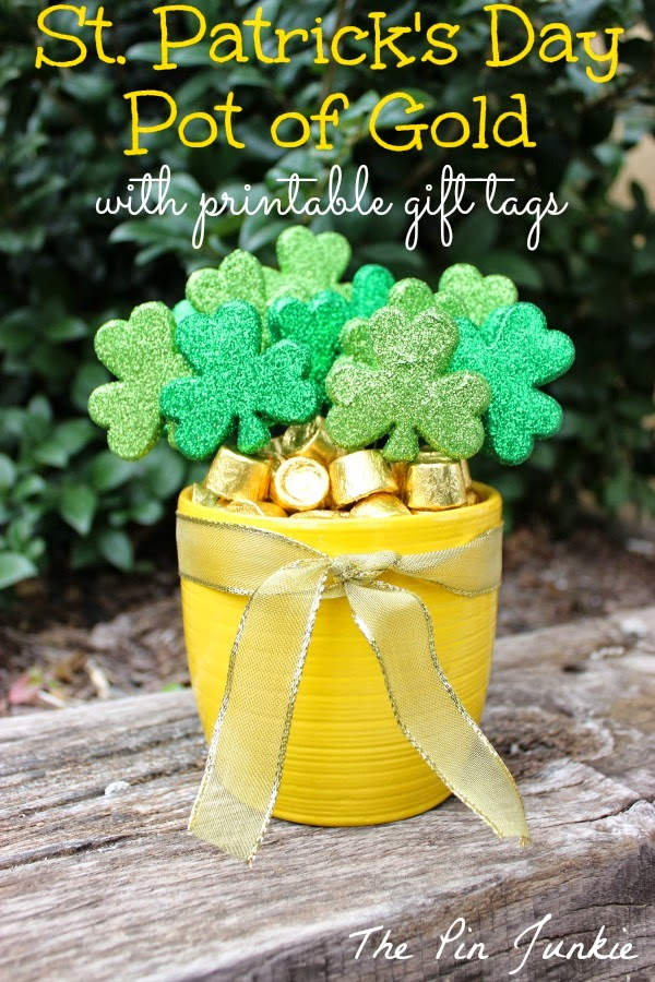 st patricks day pot of gold with free printable git tags