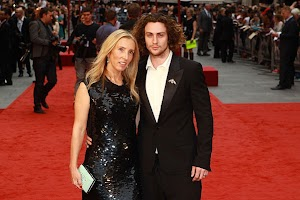 Sam Taylor-Johnson will remove the : 50 shades of gray