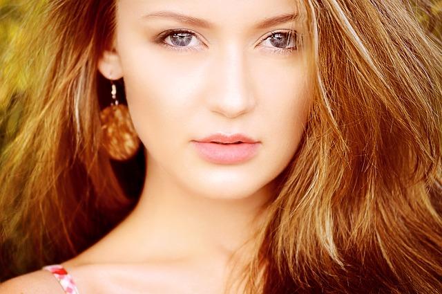 6 Cara Mengatasi Bibir Kering dan Pecah dengan bahan Alami