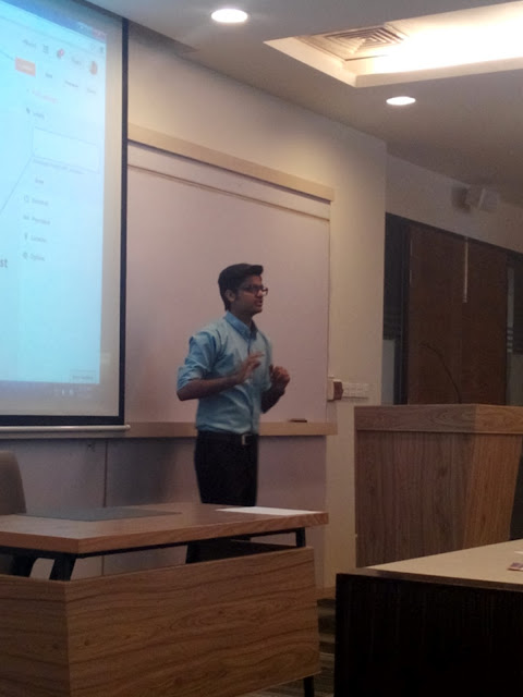 Syed Faizan Ali Explaining how to use blogger