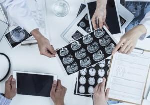 乳腺外科と放射線科の医師