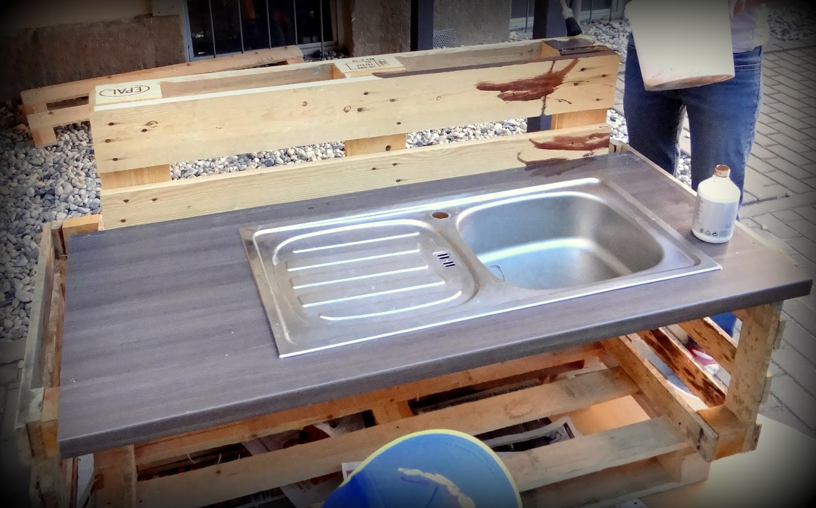 Outdoor Küche Aus Europaletten : Paletten küche kinder eckschreibtisch selber bauen fur 2 kinder