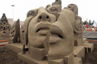 Escultura de arena  de rostro