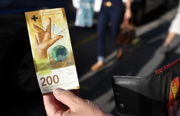 200-franc banknotes awakens dark memories for Albanians, Bank of Switzerland gives explanations