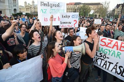 CEU, CEU-törvény, CEU-tüntetés, Budapest, Közép-európai Egyetem, felsőoktatás, Magyarország,