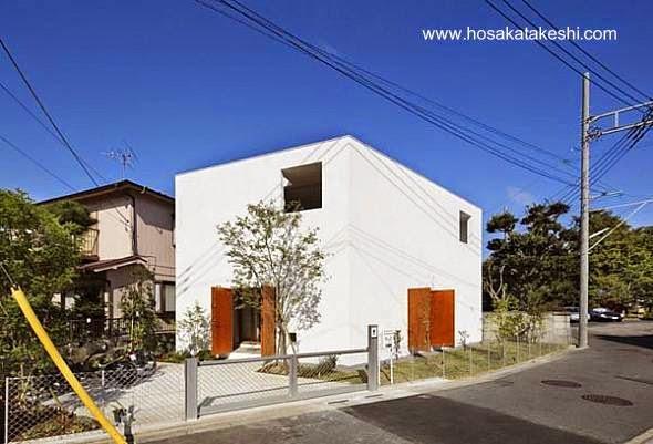 Casa cúbica minimalista japonesa