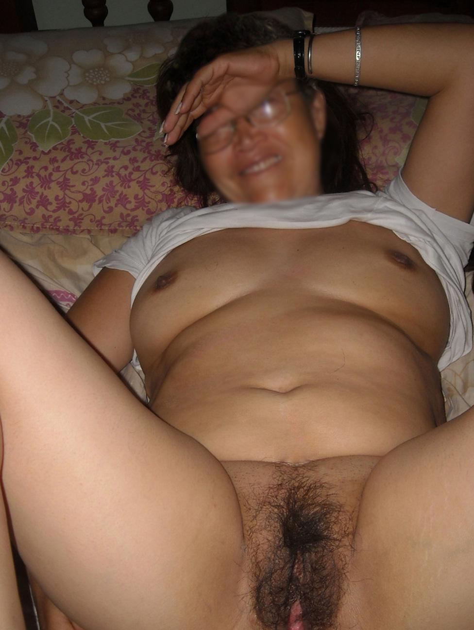 Abuela gorda y caliente - 3 part 10