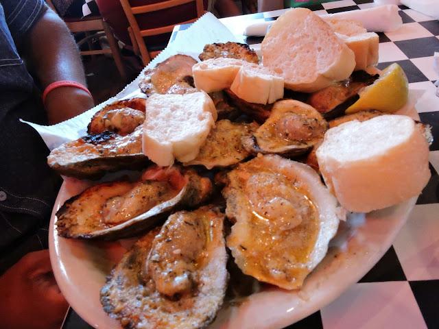 Family Reunion Fun in Destin Florida  (Acme Restaurant)  via www.productreviewmom.com