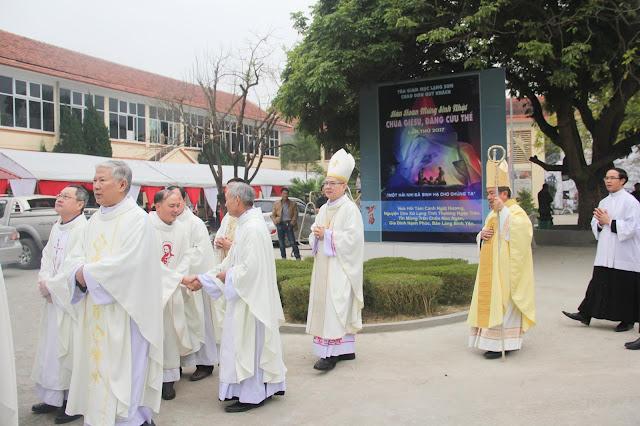 Lễ truyền chức Phó tế và Linh mục tại Giáo phận Lạng Sơn Cao Bằng 27.12.2017 - Ảnh minh hoạ 81
