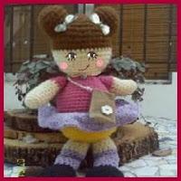 Muñeca amigurumi con moños