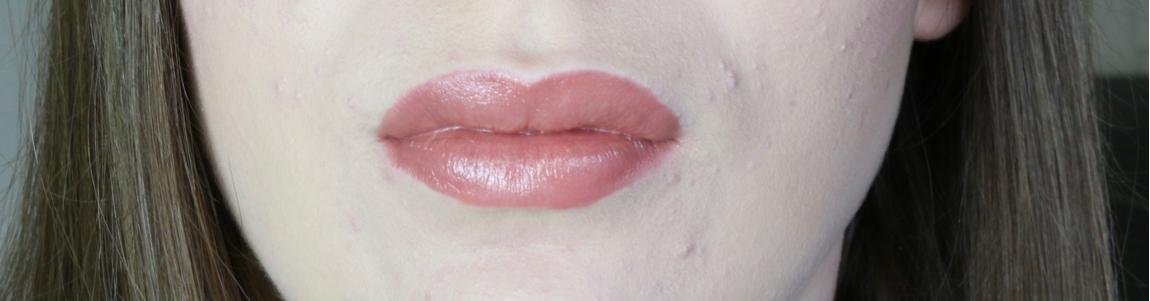 Charlotte Tilbury Bitch Perfect Lipstick Review
