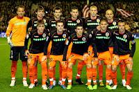 VALENCIA C. F. - Valencia, España - Temporada 2009-10 - César Sánchez, Dealbert, Albelda, David Navarro, Mathieu y Bruno; Pablo Hernández, Mata, Villa, Joaquín y Marchena - ATHLETIC DE BILBAO 1 (Muniain), VALENCIA C. F. 2 (Mathieu y David Villa) - 06/12/2009 - Liga de 1ª División, jornada 13 - Bilbao, estadio de San Mamés - El Valencia se clasificó 3º en la Liga, con Unai Emery de entrenador
