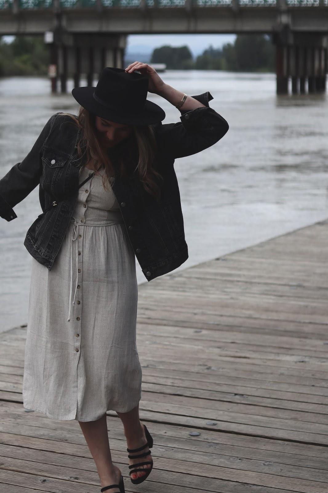 summer outfit idea linen midi dress le chateau vancouver blogger lack of color hat