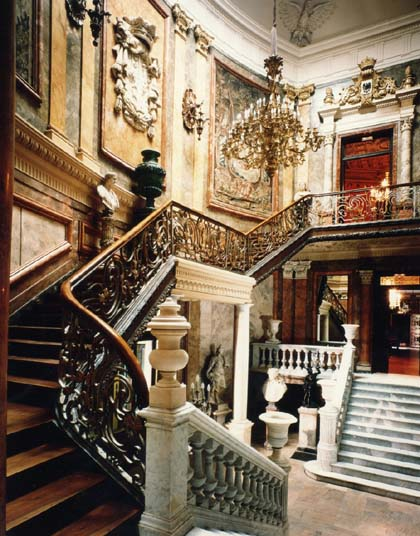 The cerralbo museum calle de ventura rodríguez 17 preserves the original decor of the 1893 mansion as it looked in cerralbos day