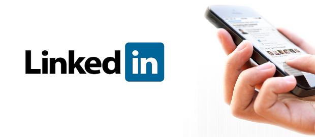 LinkedIn launches new tool for smartphone: Intro LinkedIn. It allows, in an exchange of e-mails on mobile, to get more information account of its contacts (business, job, website ...), just drop a tab. Practice.