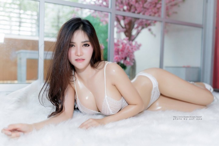 Blue-Jirarat-hot-sexy-boobs-thai-girl-8-1024x683.jpg