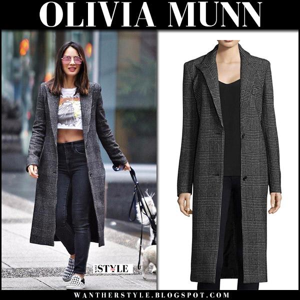 Olivia Munn in grey check coat smythe walking her dog september 29 2017 streetstyle