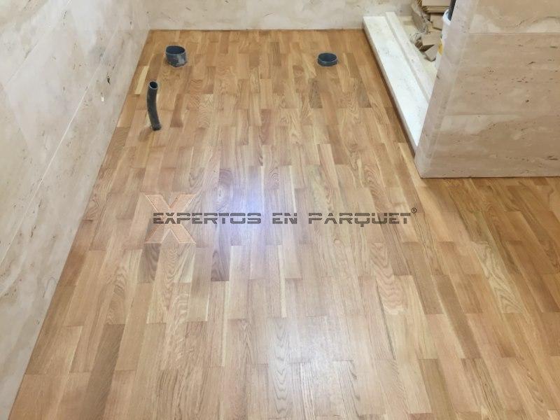 Colocar parquet tarima o suelo laminado en ba os y cocina - Colocar parquet laminado ...