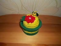 http://misiowyzakatek.blogspot.com/2014/08/na-igielnik-usiada-pszczoka.html