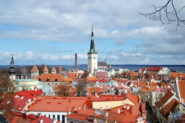 estonie tallinn vieille ville toompea panorama kohtuotsa