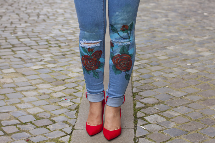 painted jeans with red roses