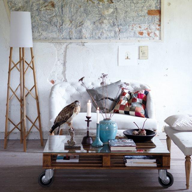 Γραφεία και τραπέζια από ξύλινες παλέτες