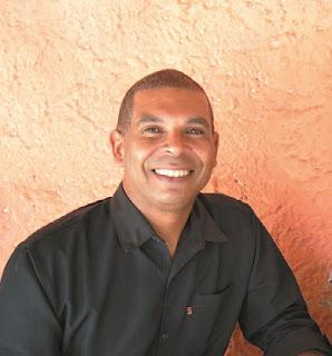 """Alagoinhas: """"Desafios são sempre oportunidades de crescimento. A humanização será a minha marca"""", declarou o novo Secretário de Saúde, Moacir Lira, durante a cerimônia de posse"""