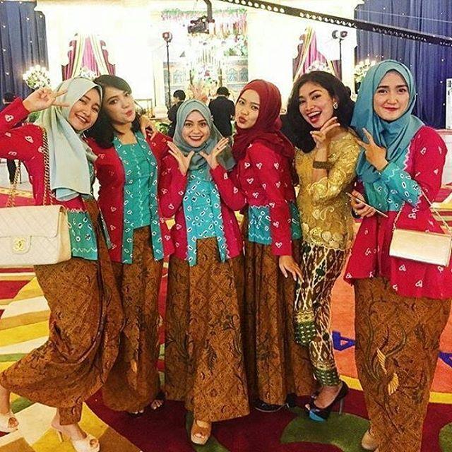 Model Kebaya Jumputan Rok Batik Panjang Inspirasi Kebaya Indonesia