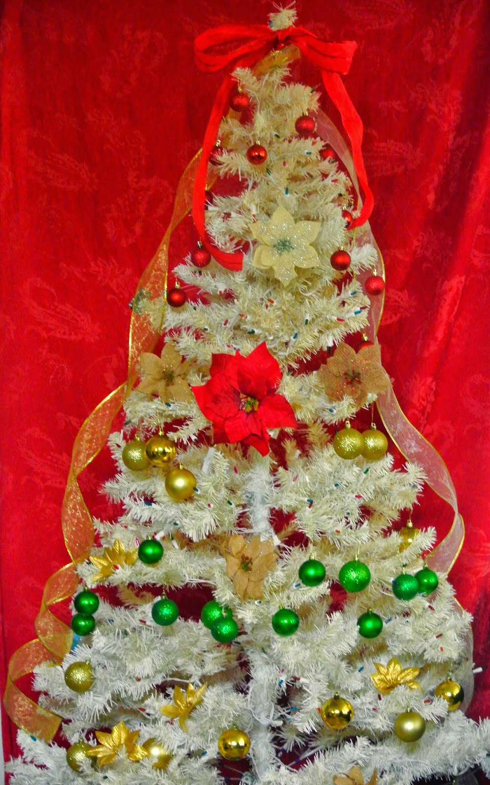 ornaments, white tree, holidays