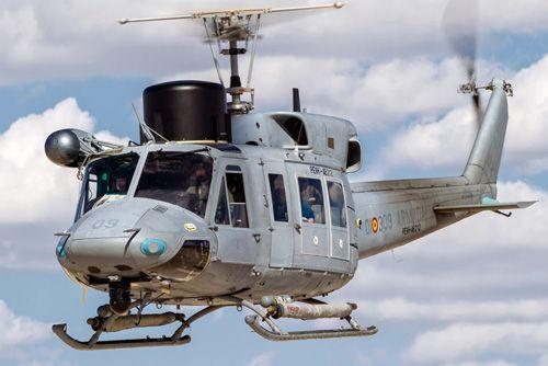 La Armada recibe la cuarta unidad modernizada del helicóptero AB212