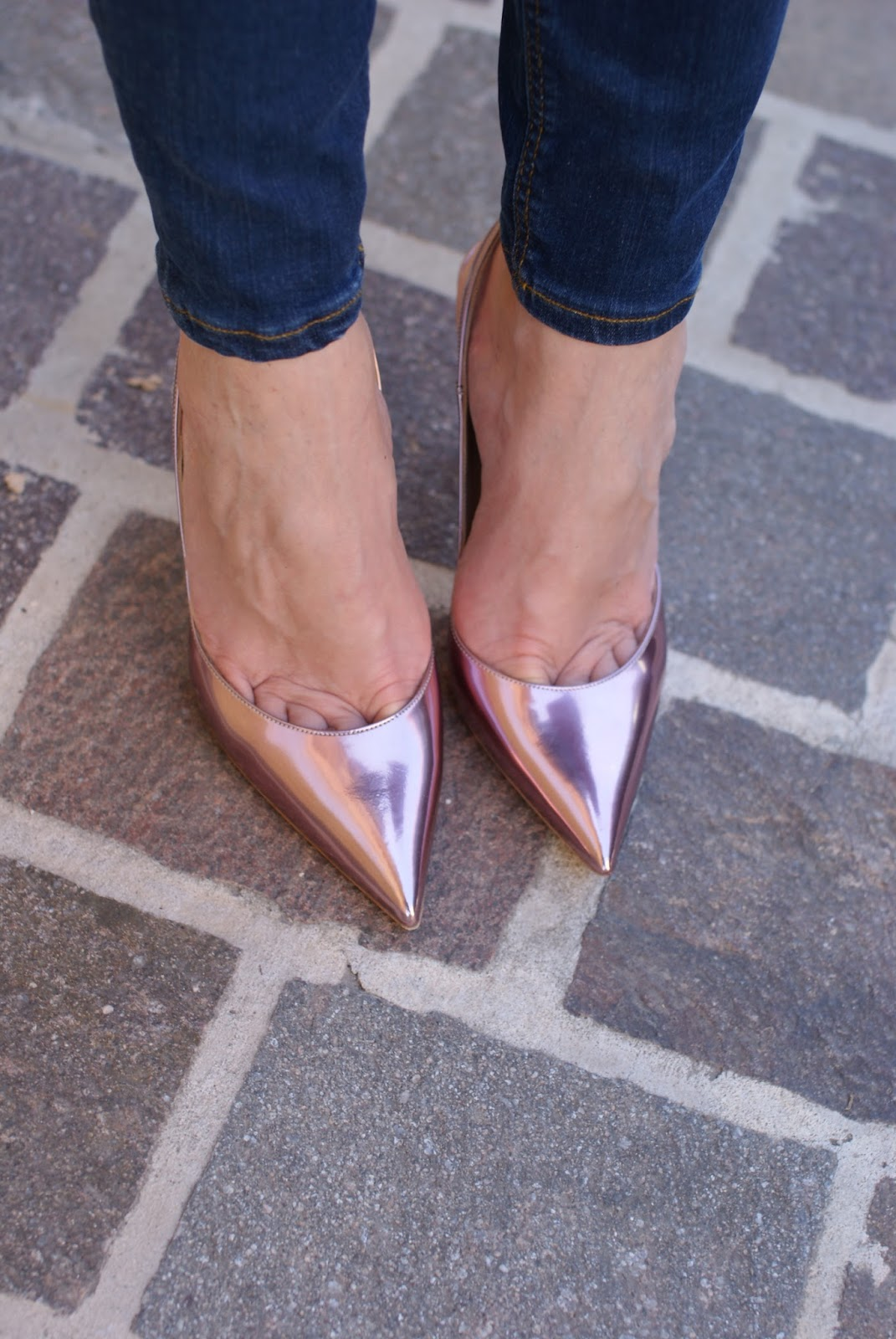 Le Silla metallic pink slibgback stiletto shoes on Fashion and Cookies fashion blog, fashion blogger style
