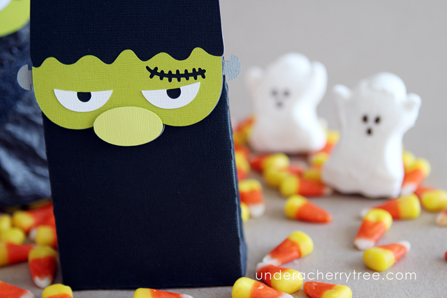 http://underacherrytree.blogspot.com/2014/10/monster-madness-bags.html