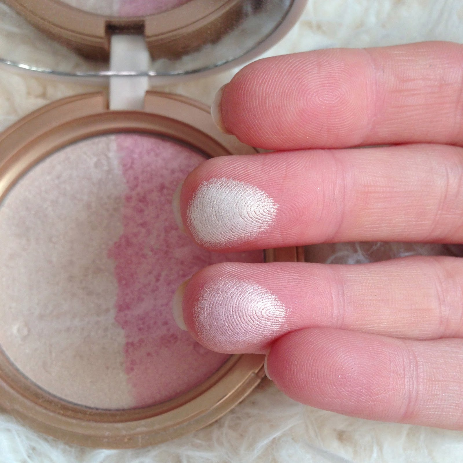 Too Faced Candlelight Glow Highlighter Inthefrow