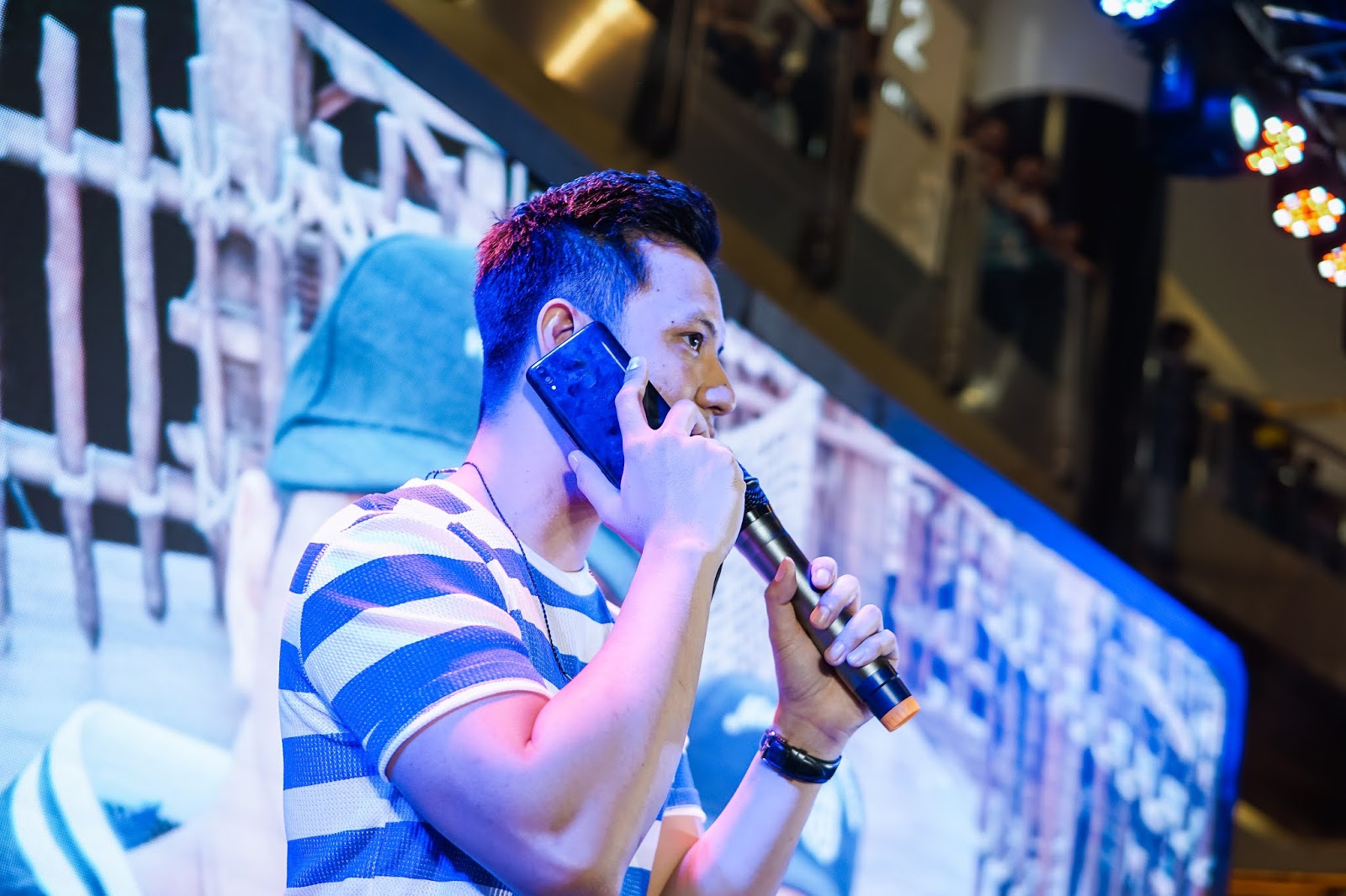 Vivo Endorser Darren Espanto Joined By Tj Monterde At The V9 Pop Filter Layer Ganda Mikrofon Bop Is An Artificial Intelligence Ai Selfie Camera With A 16 Mp 5 Dual Setup Much Like Its Predecessors V7 And