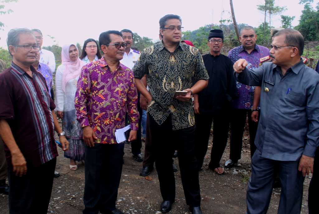 Dede Yusuf Pimpin Rombongan DPR RI Komisi IX Tinjau Pemeriksaan Kesehatan JCH di Embarkasi Makassar