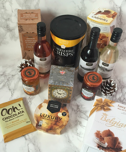 Christmas food and drink hamper contents