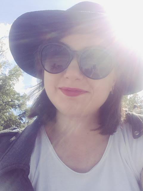 selfie black hat