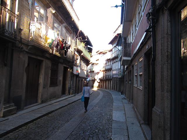Ruas medievais do centro histórico de Guimarães