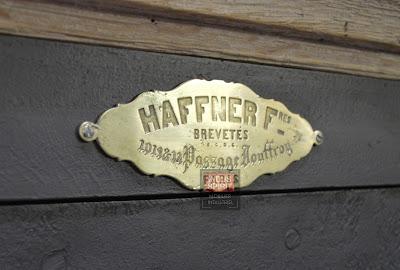 Ancien coffre fort Haffner bois et métal