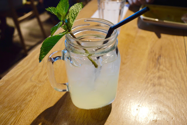 Fresh lemonade kilner jar at Giraffe