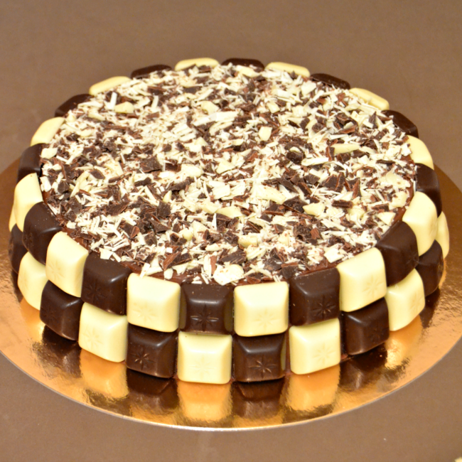 tarta-de-chocolate-blanco-y-negro