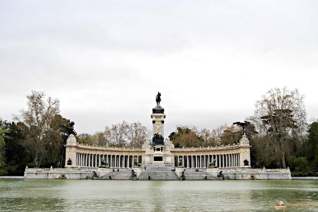 parque del retiro, statua, Madrid, cosa vedere a madrid, itinerario a madrid, due giorni a Madrid, blogger madrid