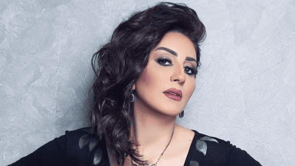 """النجمة المصرية وفاء عامر تبدأ تصوير أولى مشاهدها فى المسلسل الرمضاني """"حكايتى""""."""
