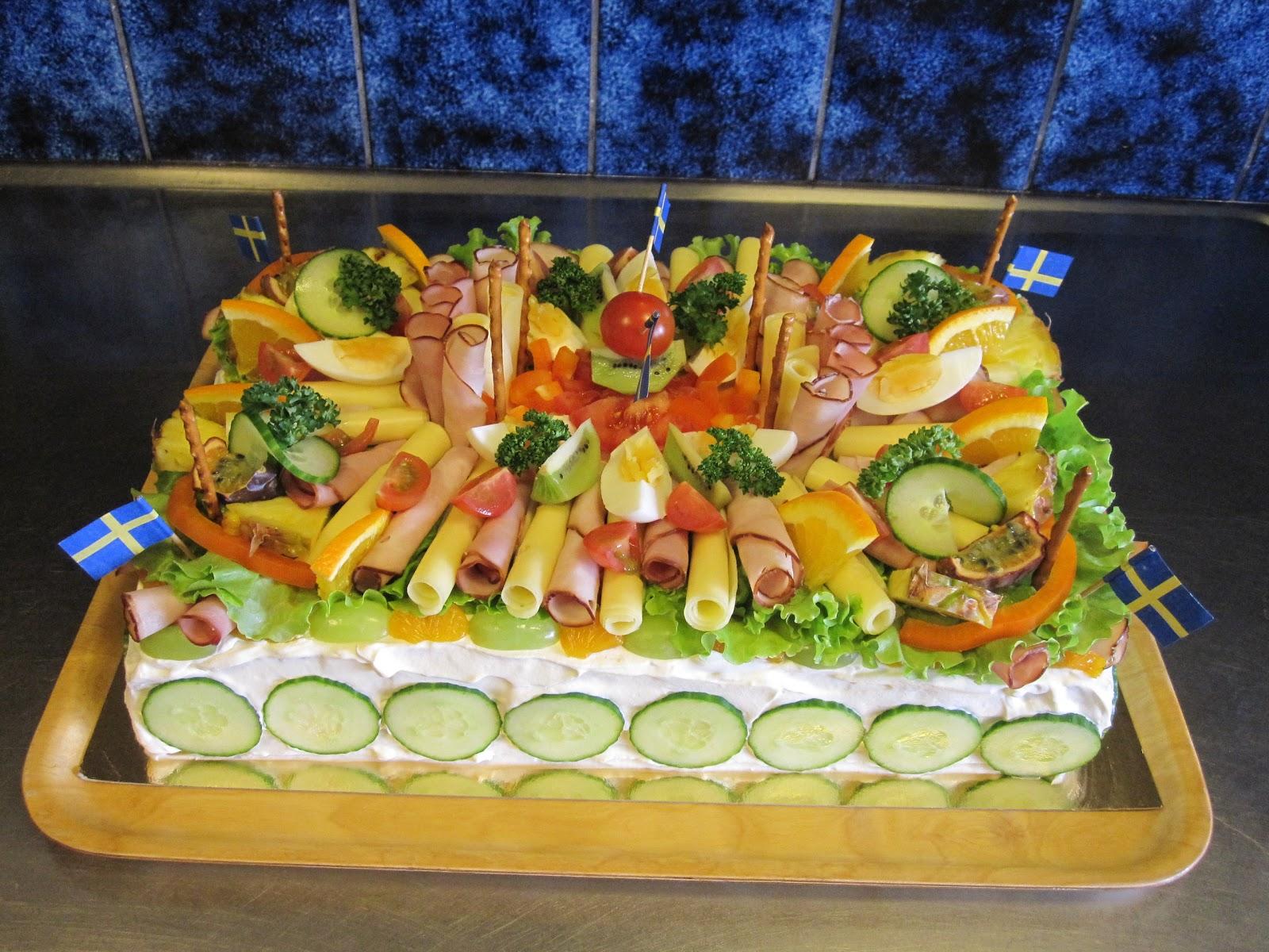 mat födelsedag Mitt liv som fru L: Smörgåstårtor till svärfars födelsedag! mat födelsedag