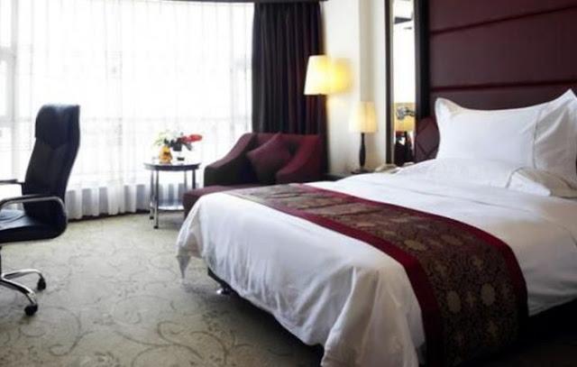 Hindari 4 Benda di Kamar Hotel yang Rawan Jadi Sarang Bakteri