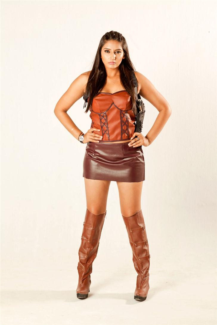 Ragini divedi bold look for Ragini IPS in leather dress