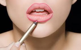 Cara Memakai Lipstik Natural dan Tahan Lama